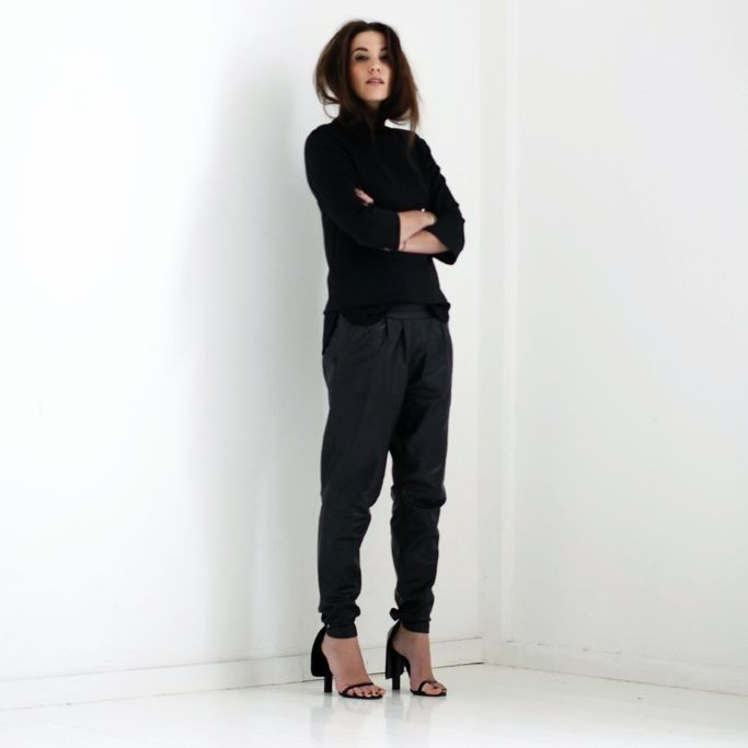 8798f0c8ce2 WEARING: LEATHER TRACK TROUSERS: MANGO, TOP: H&M TREND (old collection),  CAPE HEELS: ALEXANDER WANG